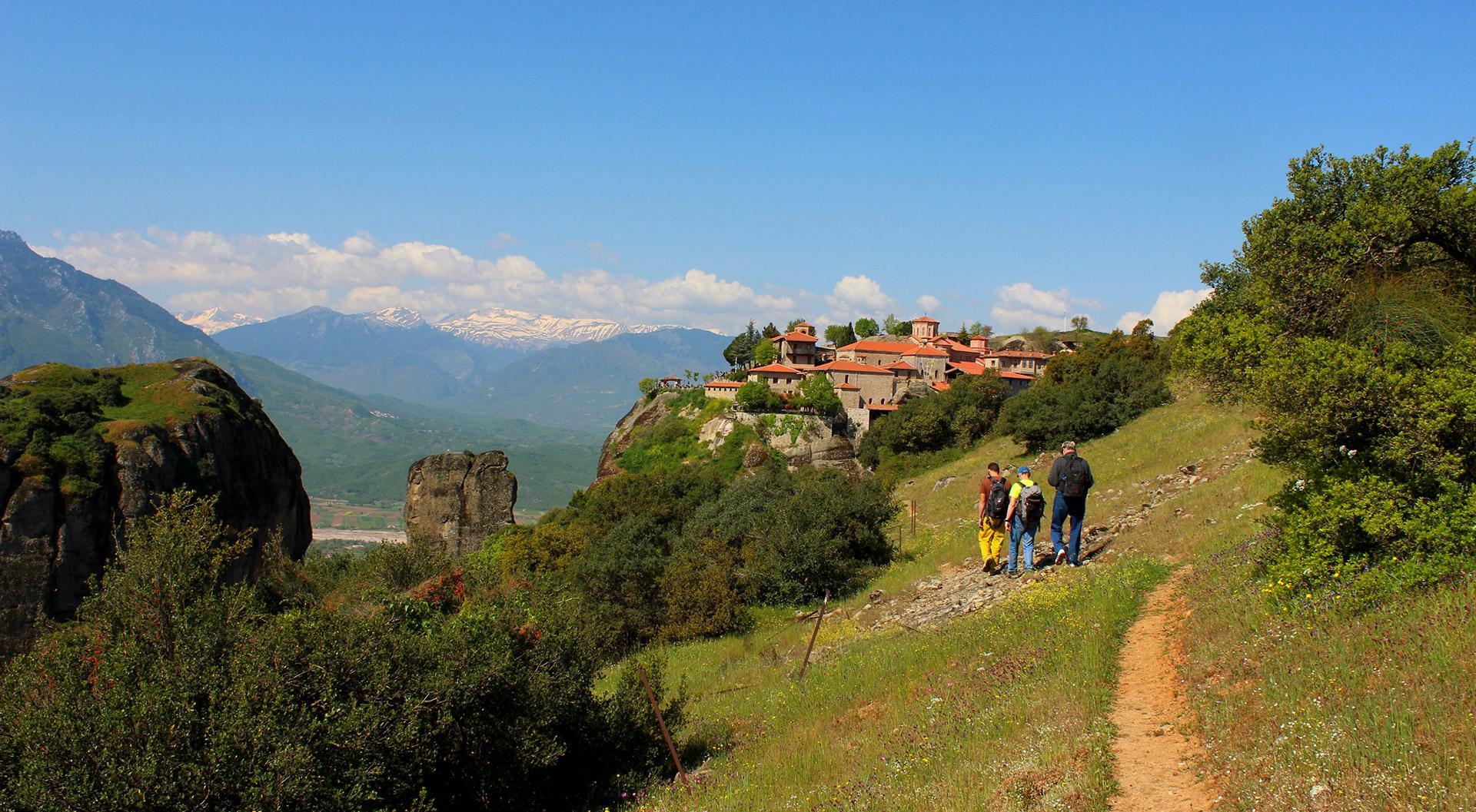 Hiking Tour of Meteora