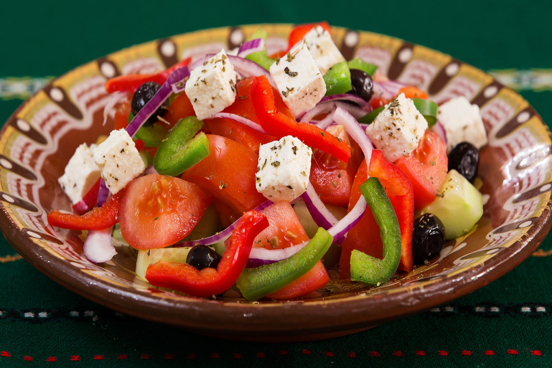 Greek salad, where to eat in Thessaloniki