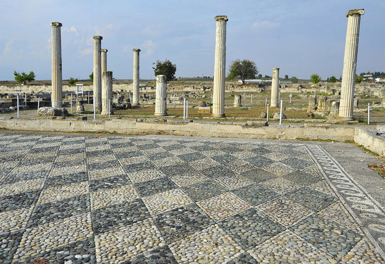 Vergina and Pella Private Tour from Thessaloniki