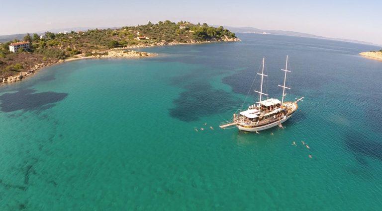 Mix mount Athos and blue lagoon cruise in Halkidiki