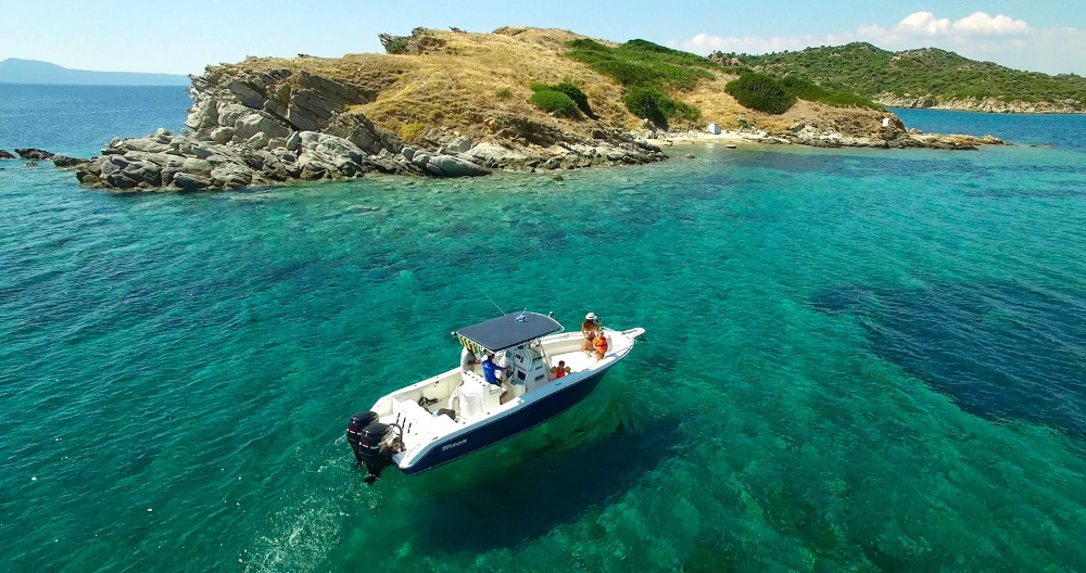 Rent a boat in Halkidiki from Ouranoupoli