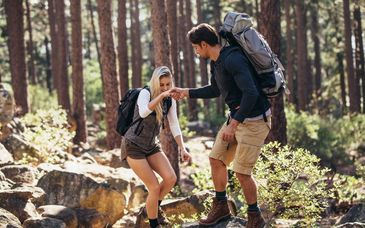 Experiential employee rewards hiking in nature