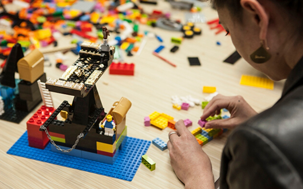 experiential team building activities games