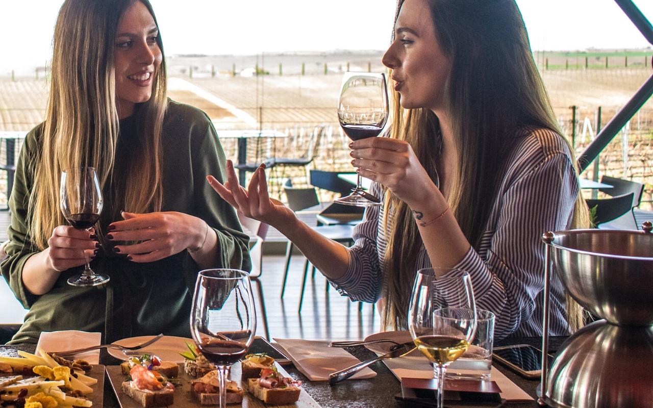 10 mesta koja morate obici u Solunu degustacija vina