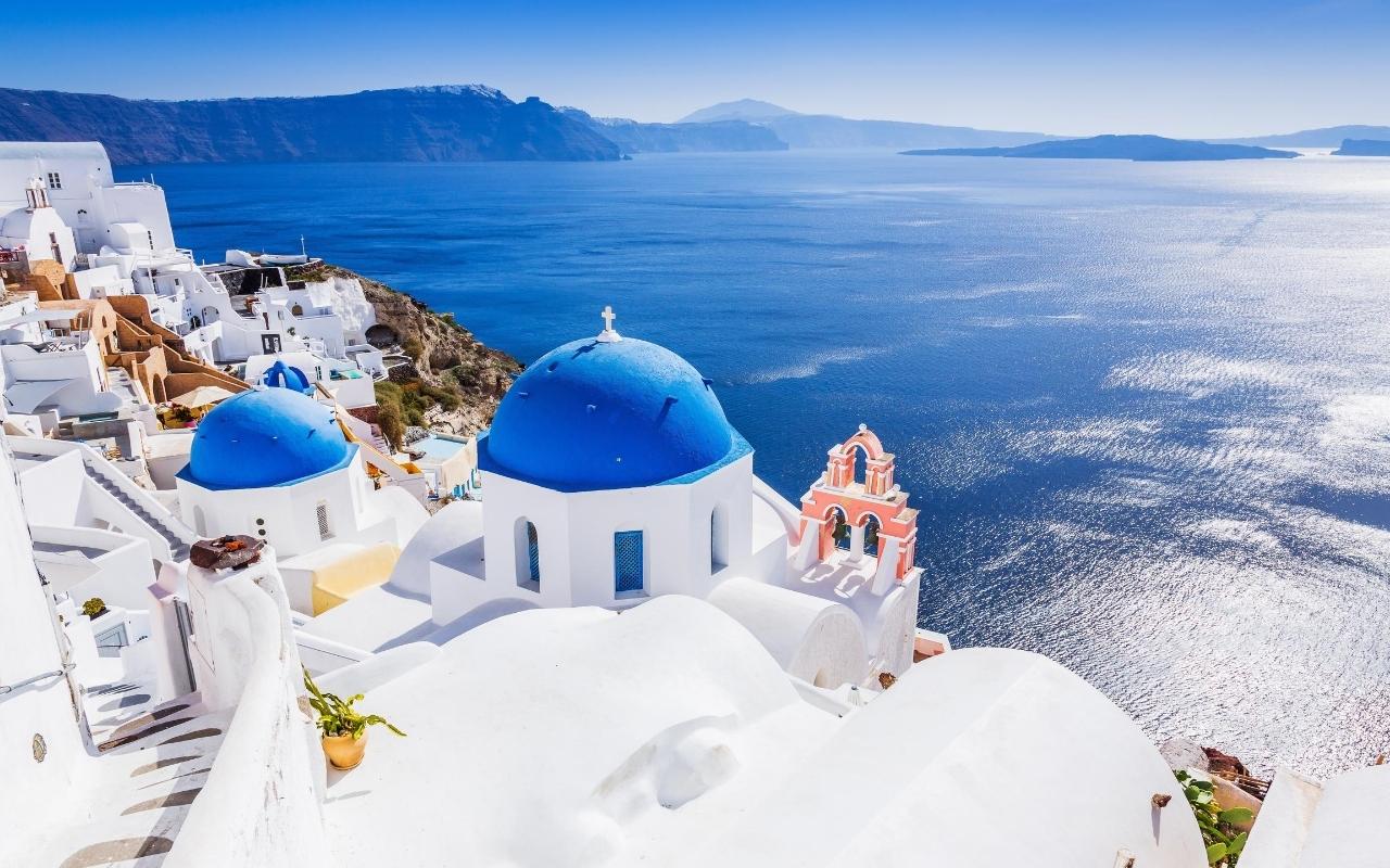 10 days Greece itinerary Santorini