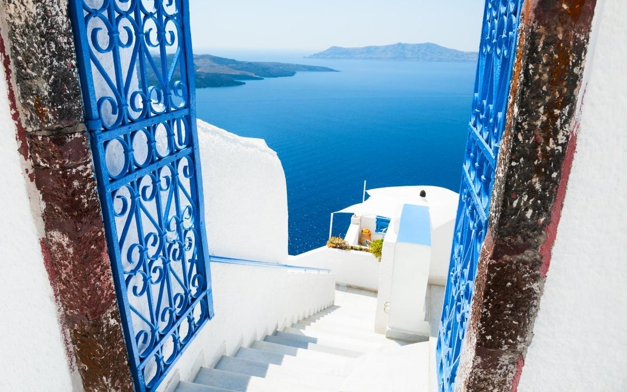 10 days Greece itinerary Santorini island