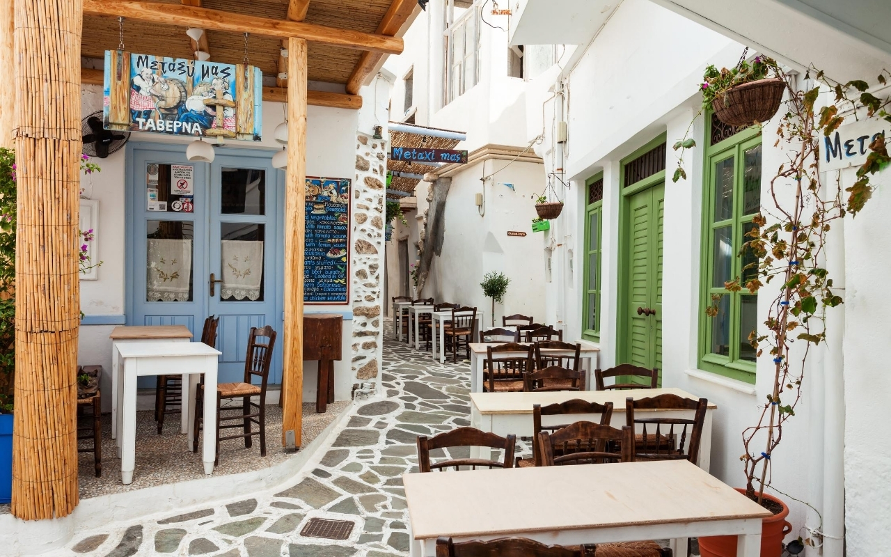 10 days Greece itinerary Naxos town