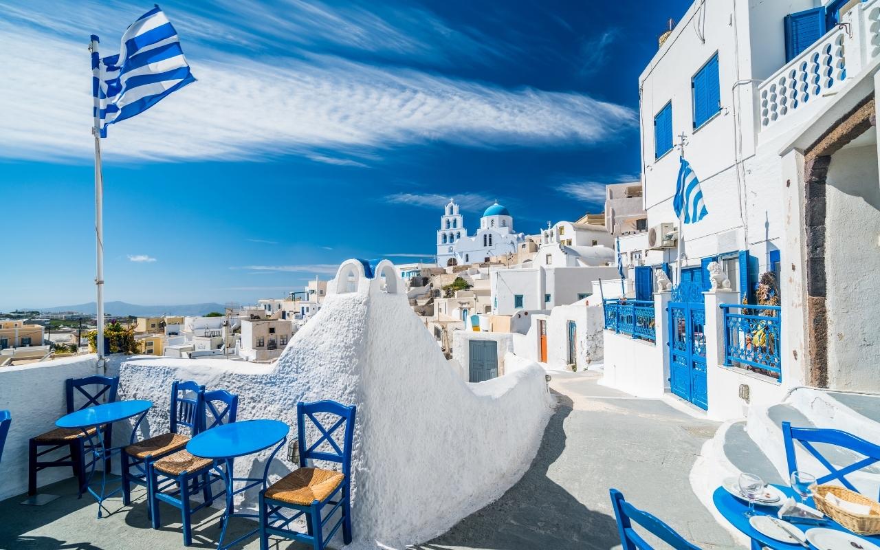 10 Best Things to do in Santorini Pyrgos