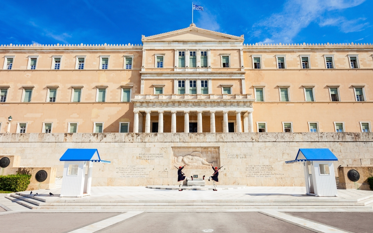 Best things to do in Athens Hellenic Parliament Syntagma square