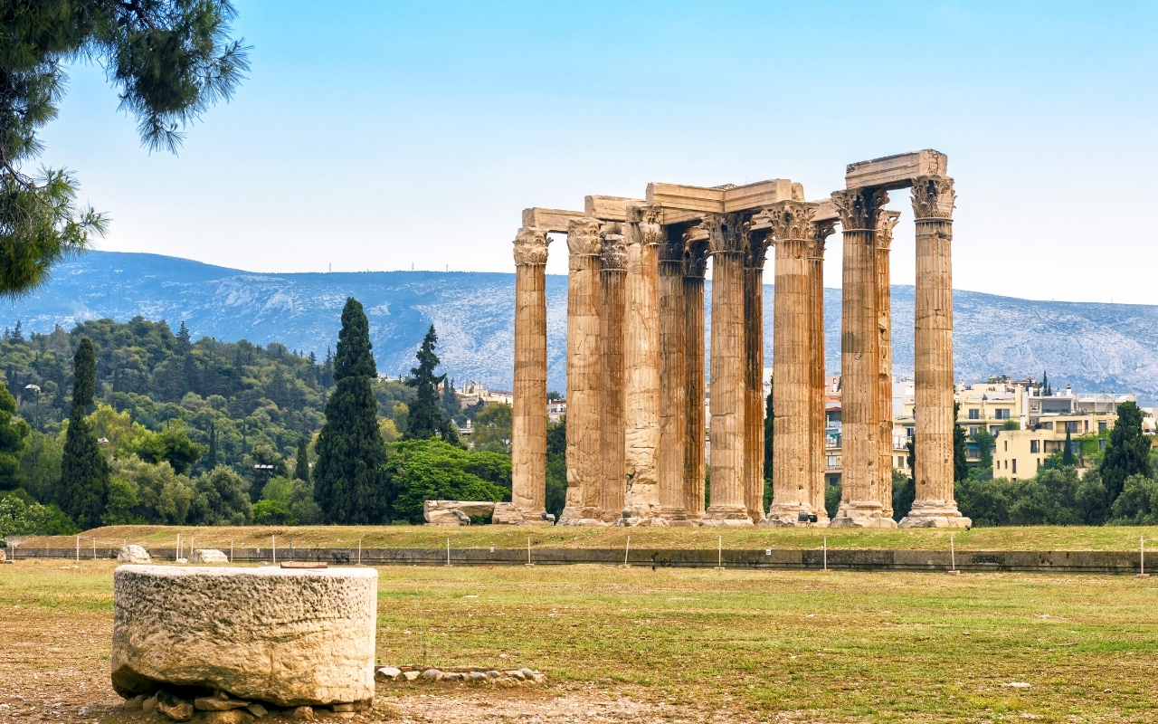 Best things to do in Athens Temple of Zeus