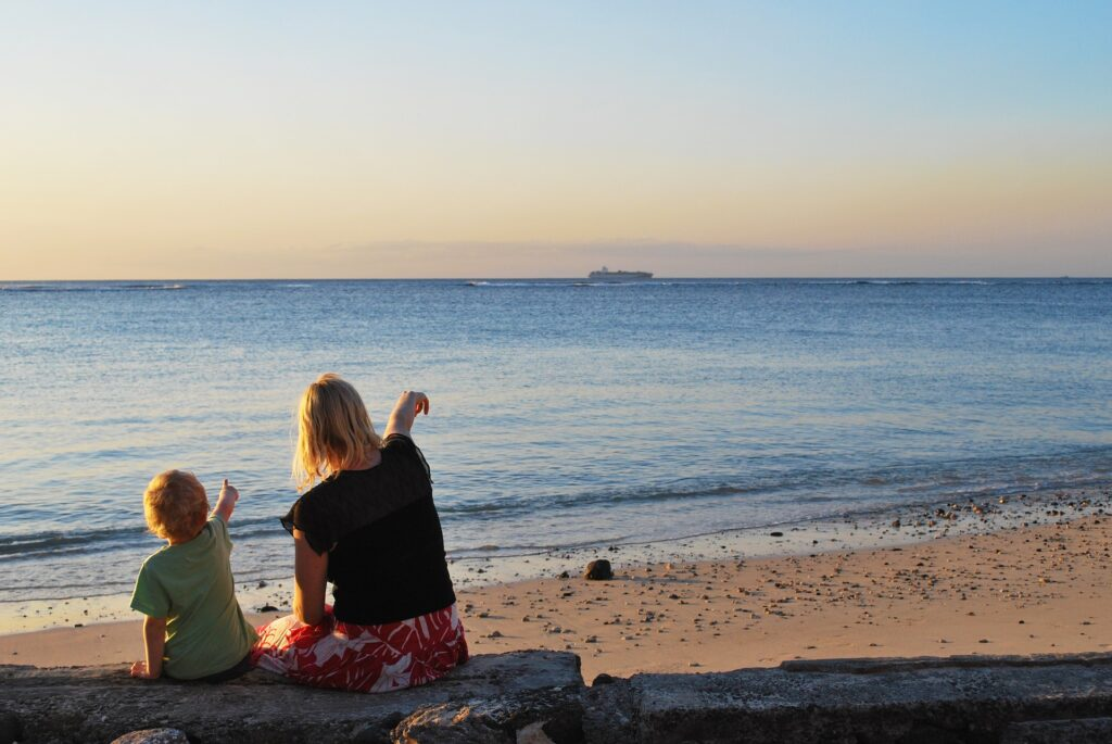 Athens Private Family Tour by the Seaside