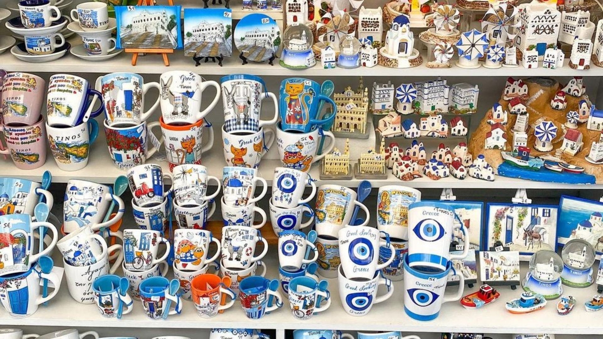 Souvenir shop in Tinos