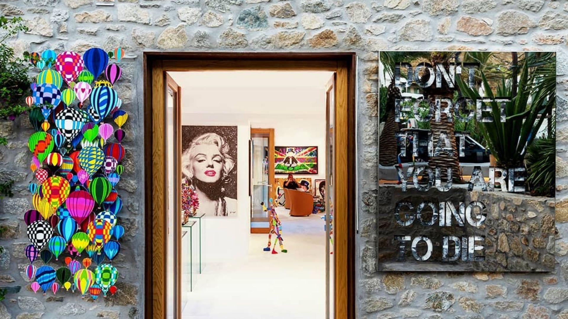 The interesting art gallery of Mykonos