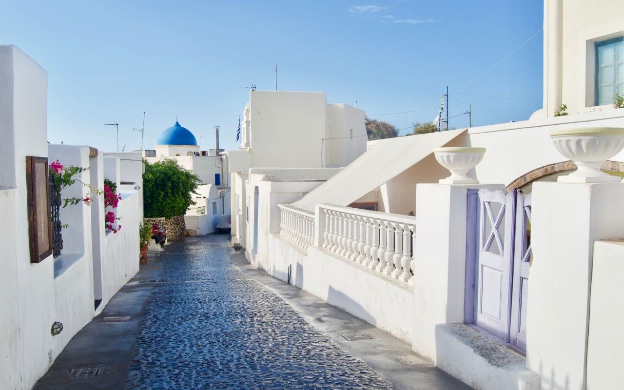 The tranquil town of Megalochori in Santorini