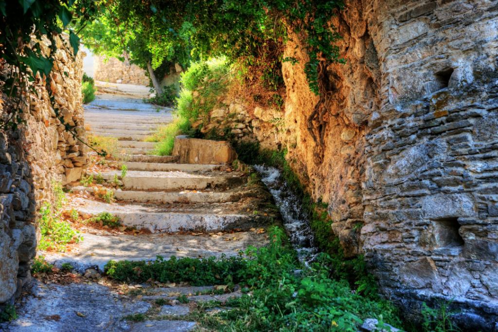 Naxos hiking tour through rural villages in Greece